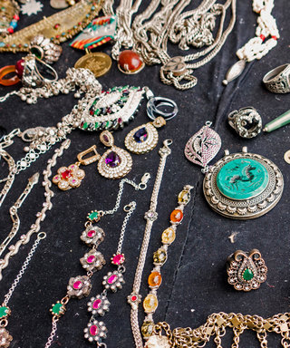 3 Genius Ways to Keep Your Jewelry From Tangling While Traveling