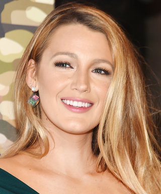 Blake Lively Rocks a Raven Pixie on the Set of Her New Movie
