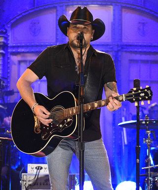 Jason Aldean Honors Las Vegas Victims with SNL Tom Petty Cover