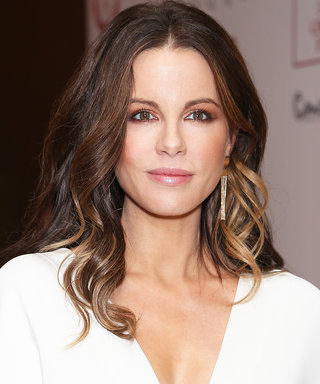 Kate Beckinsale Nailed Victoria Beckham's Leg-in-the-Air Pose
