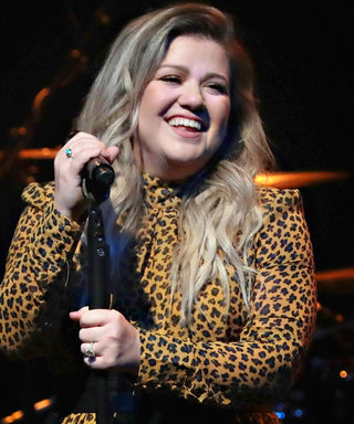 Kelly Clarkson Hadthe Sweetest Fangirl Reaction to Performing with Pink at the AMAs
