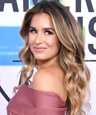 Jessie James Decker Once Again Wins Maternity Style on the AMAs Red Carpet