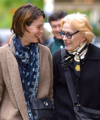 """Sarah Paulson Was Advised to Keep Her Relationship with Her """"Much Older"""" Girlfriend a Secret"""