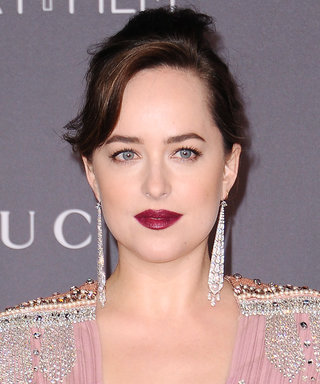 25 Celebrity-Approved Classic Holiday Hair and Makeup Looks