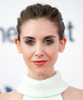 Daily Beauty Buzz: Alison Brie's Blue Eyeshadow