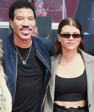 Sisters SofiaNicole Richie Reunited forDad Lionel's Handprint Ceremony, but Someone Was Missing