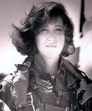 What to Know About Tammie Jo Shults, the Woman Who Safely Landed the Deadly Southwest Flight