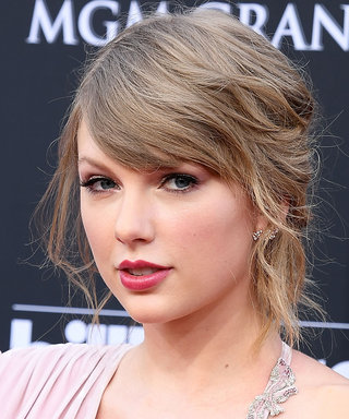 What Taylor Swift Is Telling Us Through Her First Red Carpet Look In 2 Years