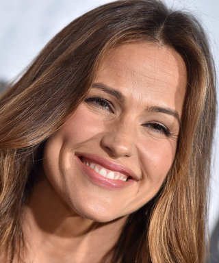 Jennifer Garner Just Combined Three of Our Favorite Trends in One LBD