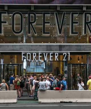 "Forever 21 Faces Backlash After Advertising a ""Wakanda Forever"" Sweater on a White Model"