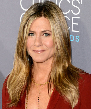 The 7 Beauty Products Jennifer Aniston Absolutely Can't Live Without