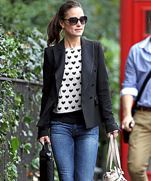 CELEB FASHION: Pippa Middleton shows us how to dress up denim for work!