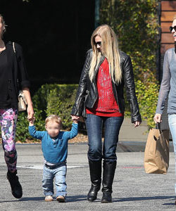 Diane Kruger and January Jones enjoy a girls' day out!