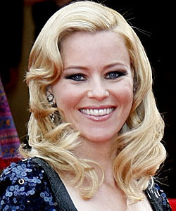 Elizabeth Banks goes vintage