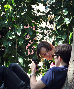 Keira Knightley and fiance James Righton have a picnic