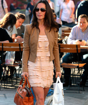 Pippa Middleton does double high street fashion…