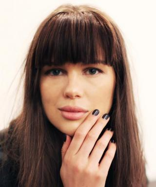 Fashion Week Beauty Trend: Negative Space Manicures Are Still Having a Moment