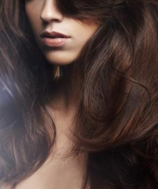 5 Brilliant Dry Shampoos Just for Brunettes