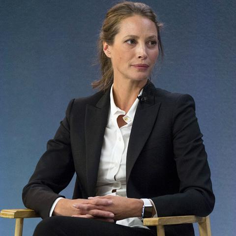 042315-apple-watch-christy-turlington.jpg