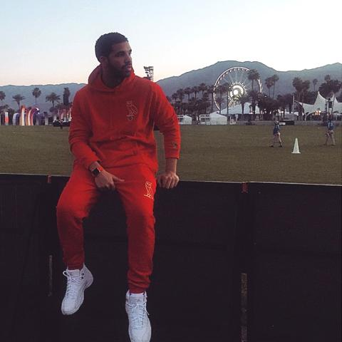 042315-apple-watch-drake.jpg