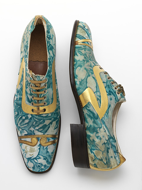 Mens' shoes, gilded and marbled leather, Northamptonshire, England, c.1925