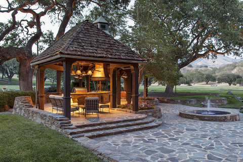 Neverland Ranch - Embed
