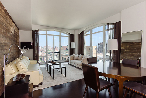 Hillary Swank's Apartment - Embed 3