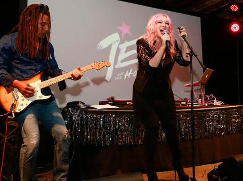 jem-holograms-launch-3