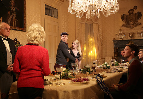 """SCREAM QUEENS: L-R: Guest stars Julia Duffy and Jerry Leggio, series stars Glen Powell and Emma Roberts, guest stars Alan Thicke, Chad Michael Murray and Patrick Schwarzenegger in the """"Thanksgiving"""" episode of SCREAM QUEENS airing Tuesday, Nov. 24 (9:00-1"""
