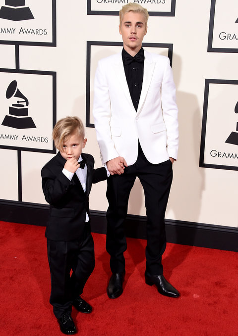 Justin and Jaxon Bieber at 2016 Grammy Awards