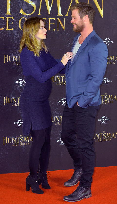 """HAMBURG, GERMANY - MARCH 30: Emily Blunt and Chris Hemsworth attend """"The Huntsman & The Ice Queen"""" Photocall at Park Hyatt Hamburg on March 30, 2016 in Hamburg, Germany.  (Photo by Christian Augustin/Getty Images)"""