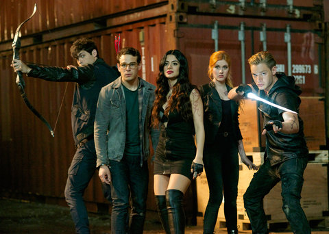 Kat McNamara Talks Shadowhunters Pranks on Set