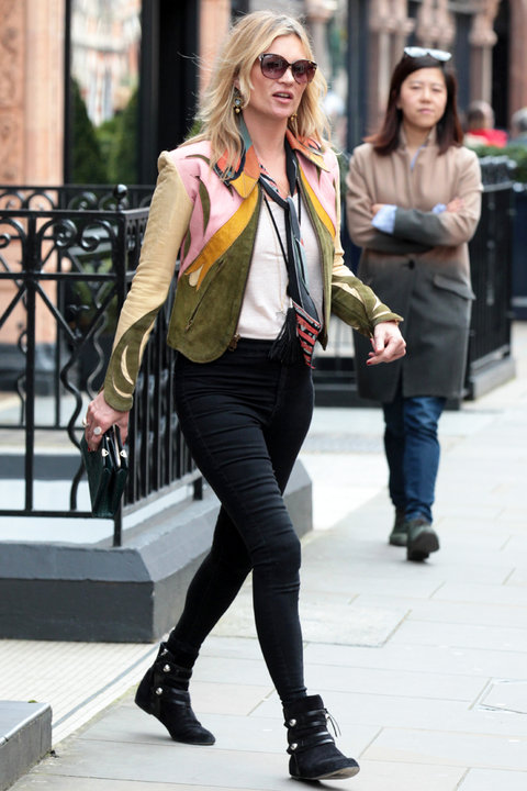 Kate Moss London Street Style 4/12 - Embed 2016