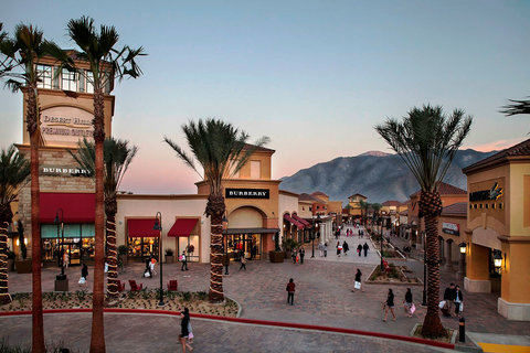 LIFE+HOME:Palm Springs City Guide: Desert Hills Outlets