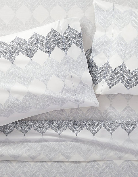crate and barrel bed sheet set