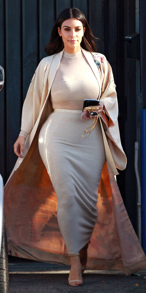 52036776 Reality star Kim Kardashian is spotted at a studio in Van Nuys, California on April 27, 2016. Kim was at the studio to film the show, 'Kocktails With Khloe'. FameFlynet, Inc - Beverly Hills, CA, USA - +1 (310) 505-9876