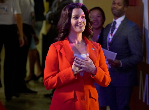 Scandal Fashion Recap Slide 1 - Mellie