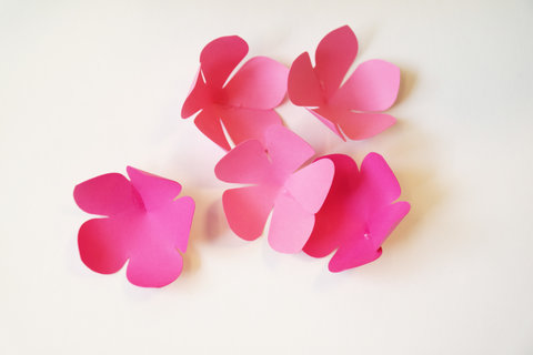 Paper Flower Centerpieces Unpinned Embed