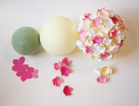 How to make diy paper flower pom wedding centerpieces instyle paper flower centerpieces balls embed mightylinksfo