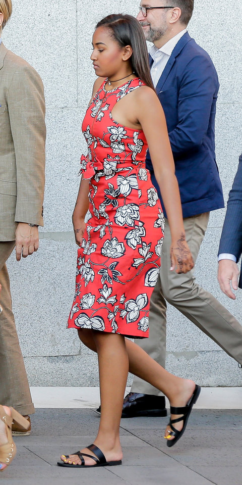 Malia and Sasha Obama Rock Summer's Hottest Trends at Once ...