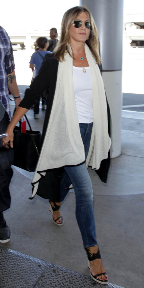 Celebrity Inspired Outfits To Wear On A Plane