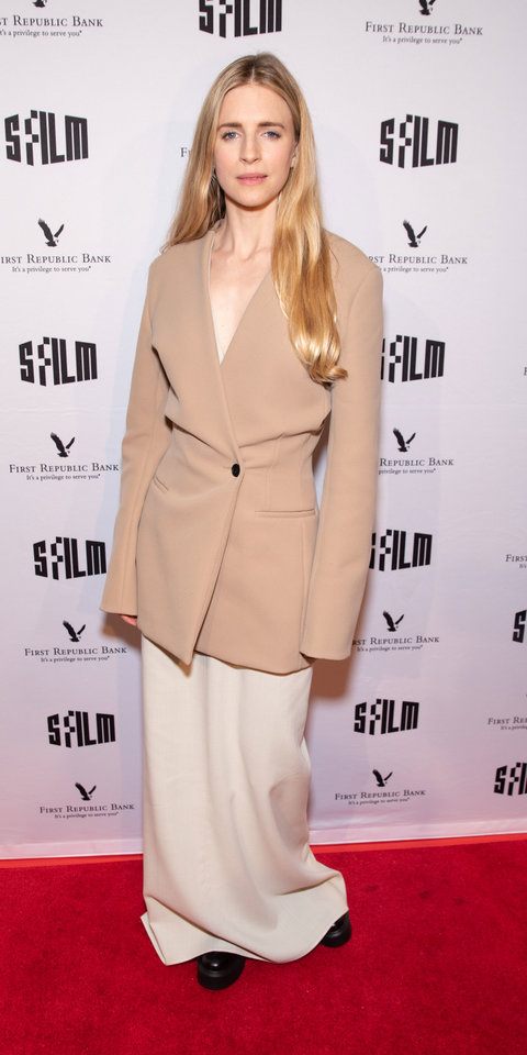 For a screening of The OA , Brit Marlo perfected the slouch in a long-line blazer and floor-grazing skirt by The Row .