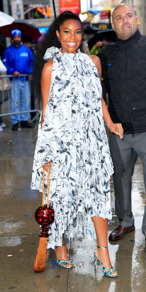 Gabrielle Union Just Combined Summer's Biggest Trends Into One Outfit | InStyle.com