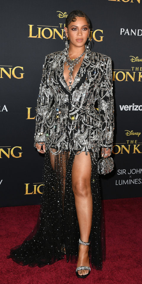 Beyoncé's Chandelier Dress Looks Like It Came Straight From a Museum | InStyle.com