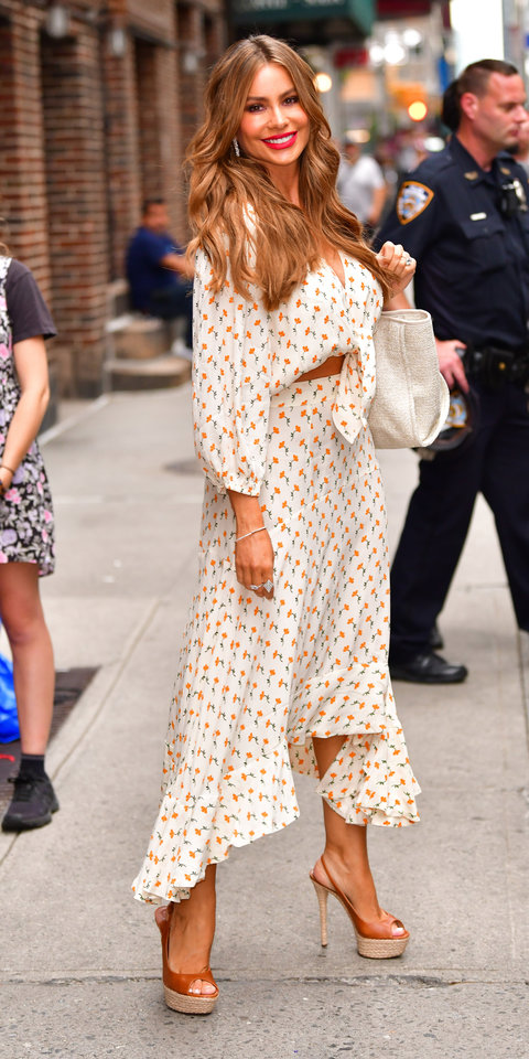 Sofia Vergara's $55 Top and $80 Skirt Are Both Summer Must-Haves | InStyle.com