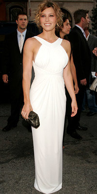Jessica Biel in Guy Laroche