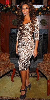 Beyonce Knowles in Collette Dinnigan