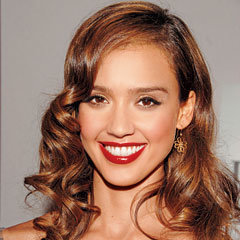 Jessica Alba, hair, red lipstick, curls, forties glamour