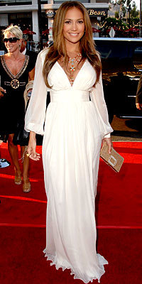 Jennifer Lopez in Alberta Ferretti, carrying Vivier