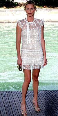 Charlize Theron, Collette Dinnigan, lace, mini, dress, trend